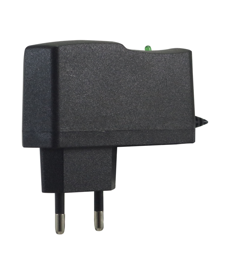 Fonte Chaveada 12Vcc 1A Bi-volt Automática com Conexão P4 e Cabo de 1 metro. Para Indicador IDP7000